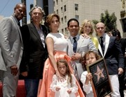 Csillagot kapott a hollywoodi Hírességek Sétányán Jennifer Lopez