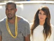 Óriási a felhajtás Kim Kardashian és Kanye West kislánya körül