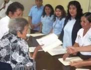 Százévesen szerzett bizonyítványt egy mexikói asszony