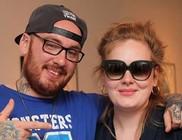 Újabb tetoválásra tett szert Adele