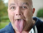 Egy brit férfinek a leghosszabb a nyelve a világon