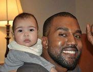 Kanye West még dolgozni is magával viszi kislányát