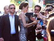 Még a forgalom is leállt Angelina Jolie-tól