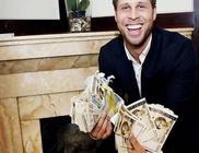 Milliókat talált új lakásában a szerencsés férfi, de nem tartotta meg a pénz